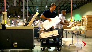 Florida elections officials pick-up recount by hand